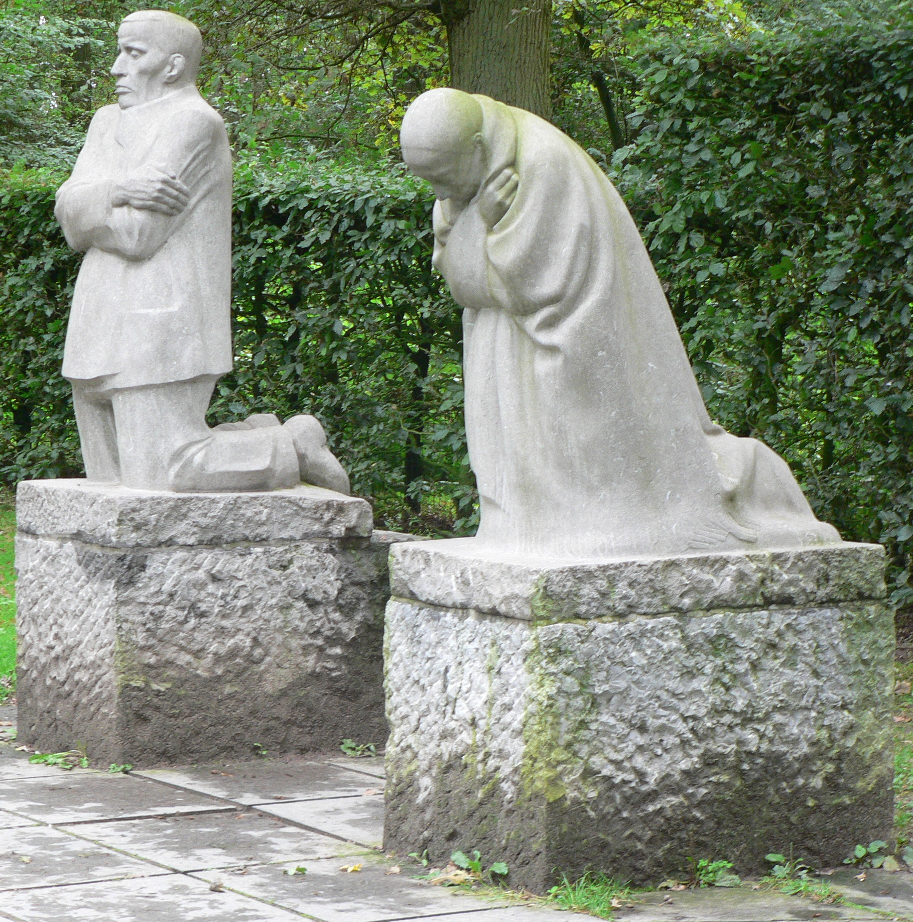 Kathe Kollwitz Grieving Parents